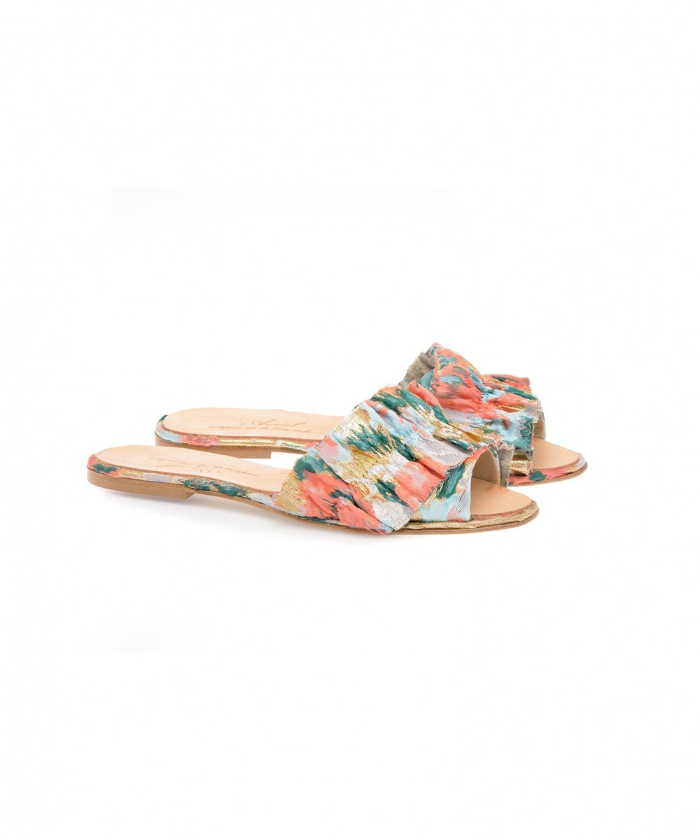 EMBROIDED RUFFLE SLIDES